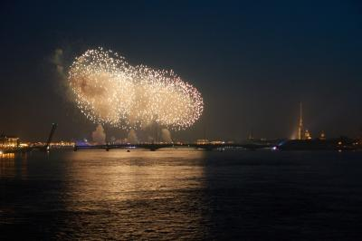 Алые Паруса 2016, фотографии пожара с Литейного моста