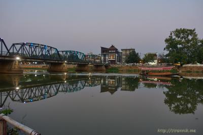 Вечерние фотки у реки; сколько бывает комаров
