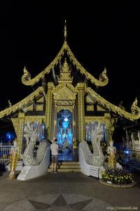 Wat Inthakin Saude - красивый деревянный храм в Чиангмае